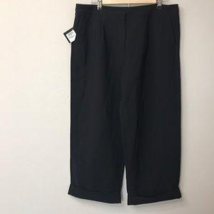 Halogen Black crop pants size 14. NWT